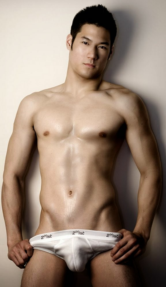 pictures of naked asian men  42267